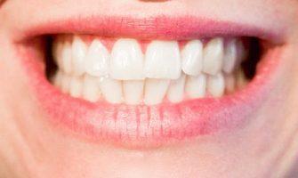 Czym zajmuje się periodontologia?